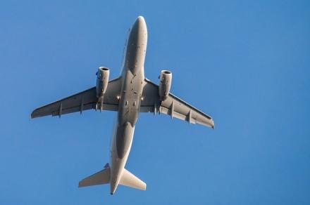 aircraft-728824_640