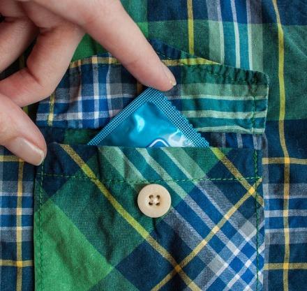 condom-1863436_640